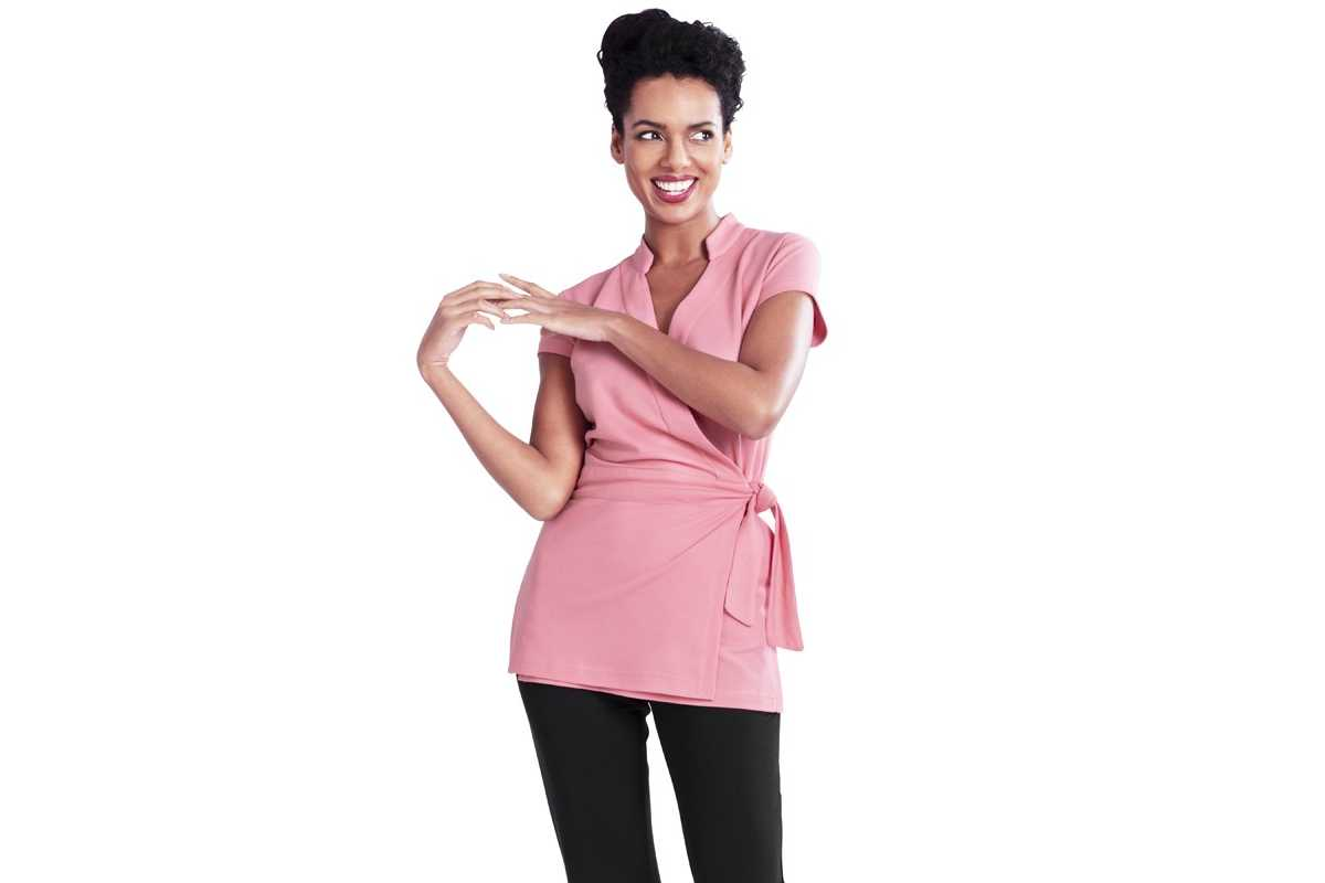 Estetiste: camici in vendita online e abbigliamento professionale