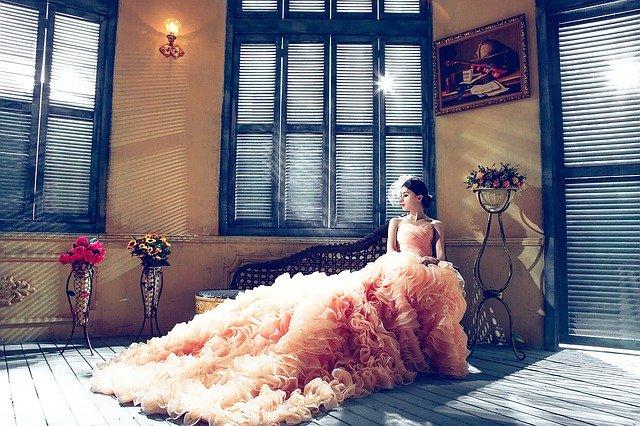 Come scegliere l'abito da sposa: i consigli per non sbagliare mai